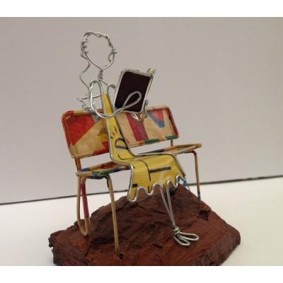 Lettrice sulla panchina - in vendita online - libreria